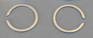 Exhaust Flange Clips - 84-12 Big Twin, 86-12 XL (pair)